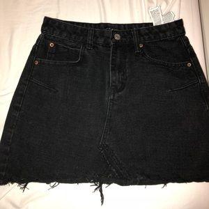 Black medium denim skirt from zaful!